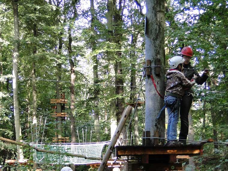 Kletterausrüstung Kiel : Natur hochseilgarten in altenhof bei eckernförde an der ostsee